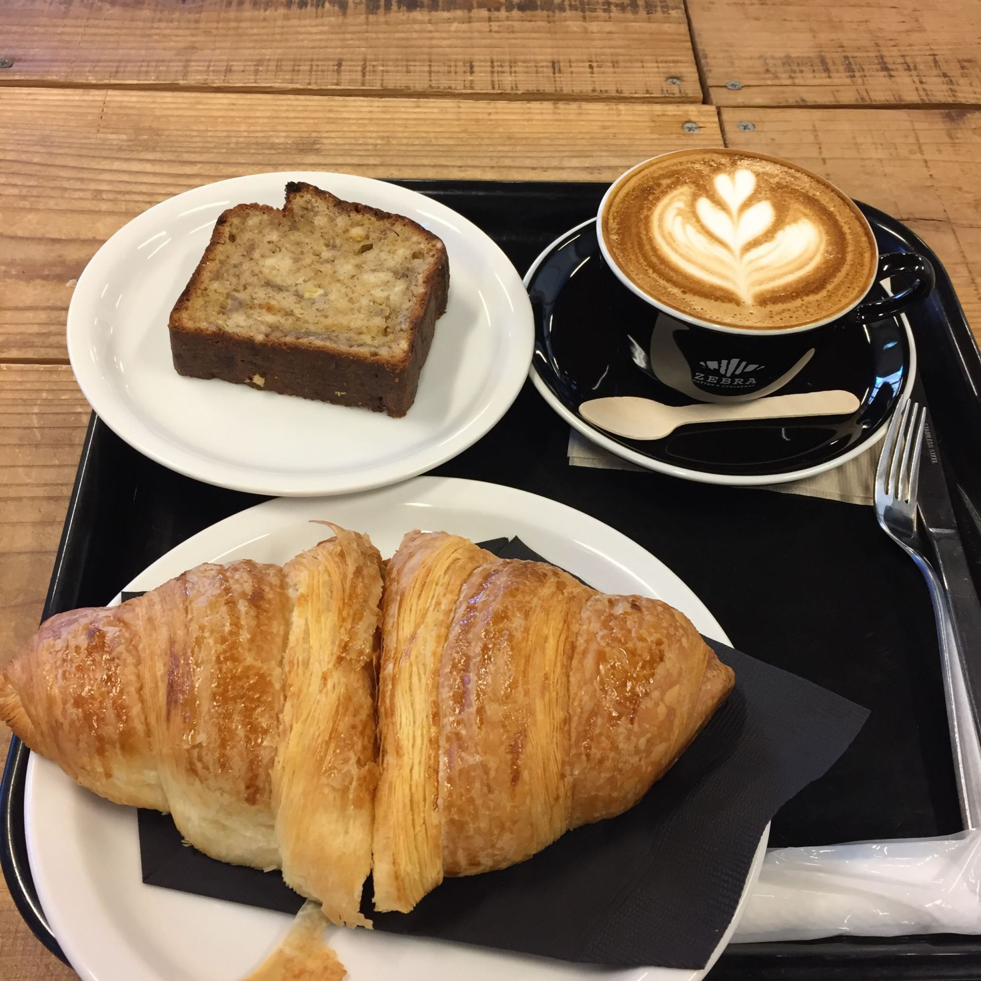 久しぶりに津久井の「ZEBRA Coffee & Croissant」へ